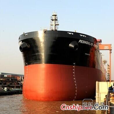 新扬子造船82000吨散货船出坞,82000吨散货船