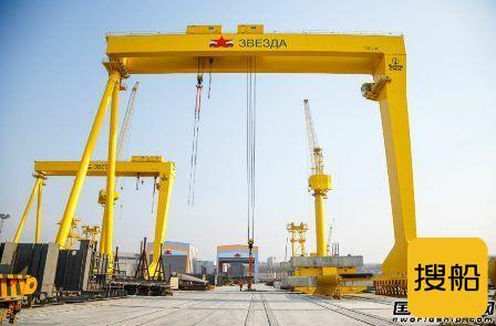 红星造船厂一艘LNG动力阿芙拉型油船铺