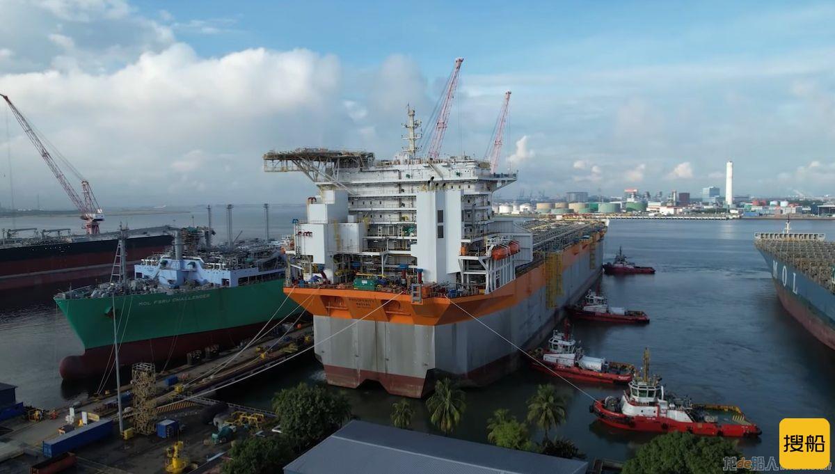 """""""Prosperity""""号FPSO到达新加坡吉宝船厂,"""