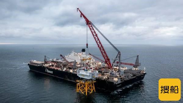 大材小用?世界最强海工船安装完成法国首个海上升压站